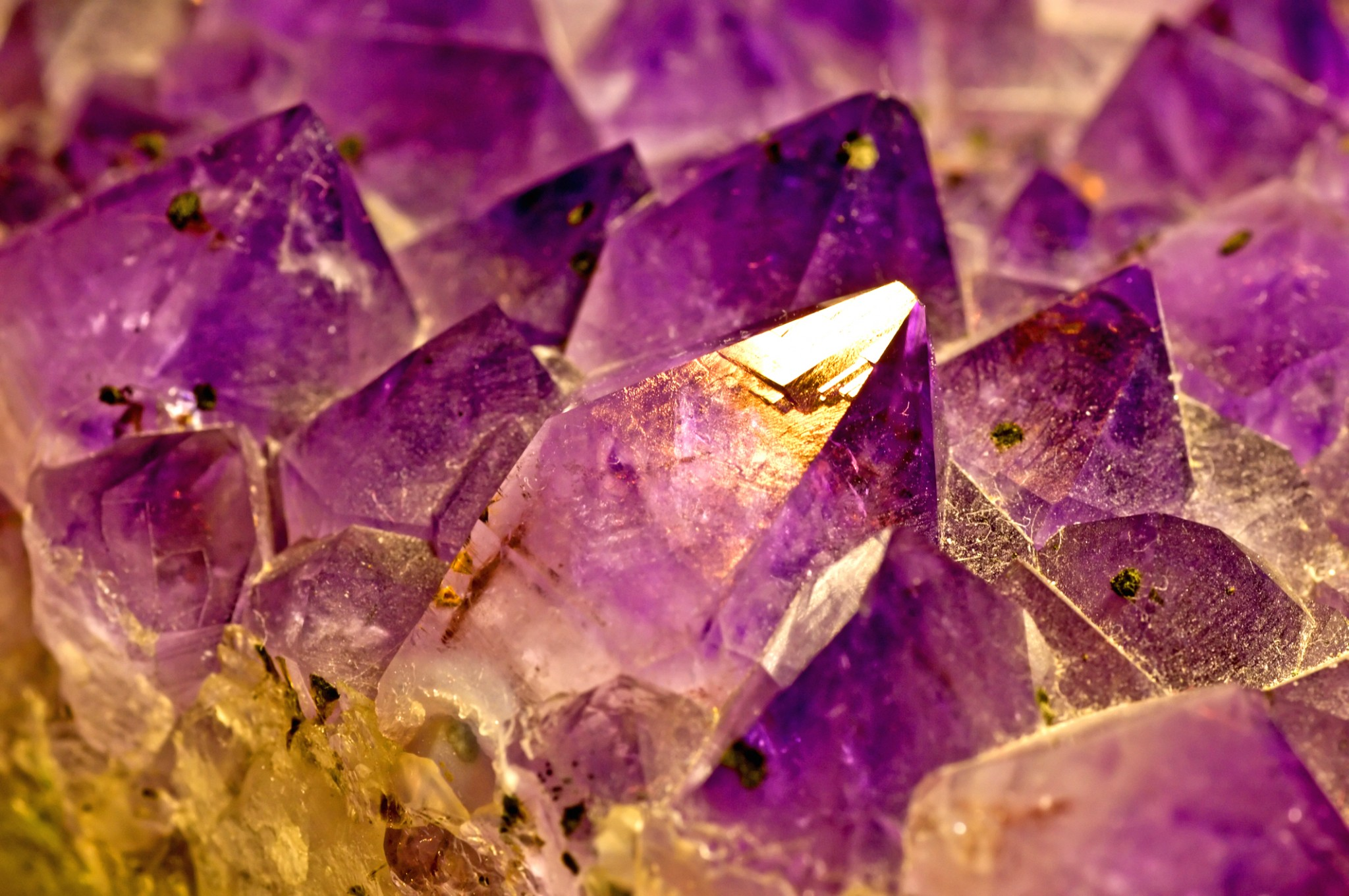 Crystals & Gemstones On the Twin Flame Journey